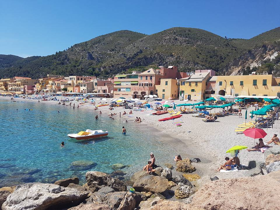 Offerta prenota prima estate 2018 in villaggio camping in Liguria a Finale Ligure
