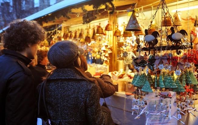 Dolci Natalizi Coreografici.Offerta Ponte Immacolata In Liguria Al Villaggio Di Natale Al Mare